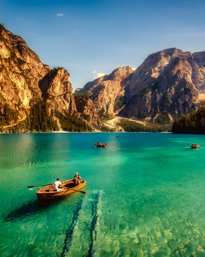 boating trip in the italian lakes